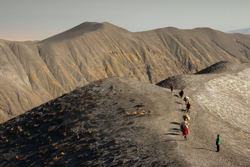 Trekking em Tanzânia imagens de stock