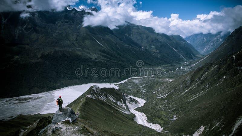 Trekking i den Langtang regionen av Nepal arkivbild
