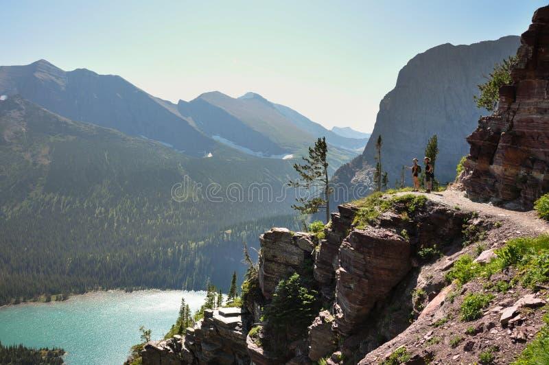 Trekking i Grinnel sjöslinga, glaciärnationalpark, Montana, arkivfoto