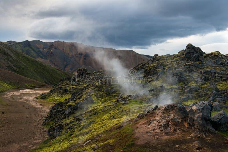 Trekking in Landmannalaugar lizenzfreies stockfoto