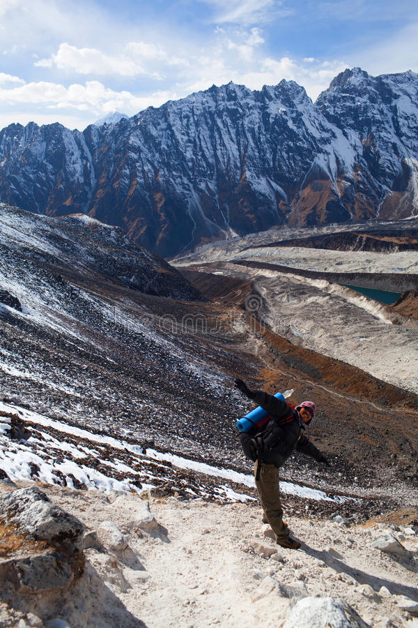Trekking na região de Manaslu fotos de stock