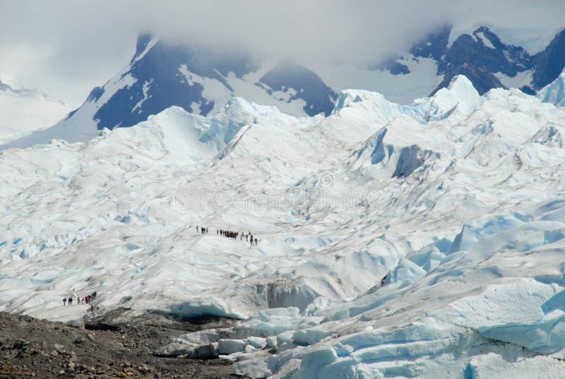 Trekking op de gletsjer van Perito Moreno, Argentinië. royalty-vrije stock foto