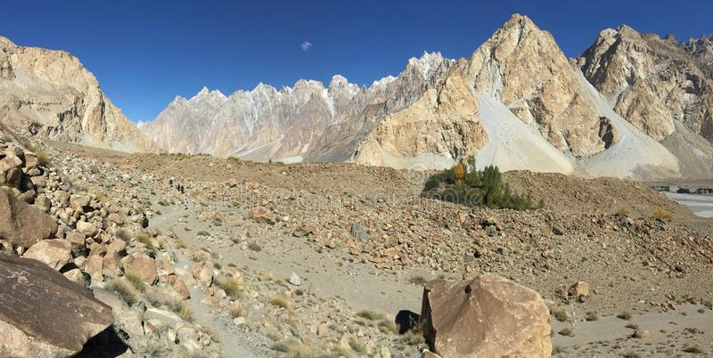 Trekking trail to Passu glacier. royalty free stock photos
