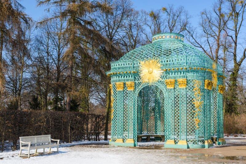 Trellised pawilon w parku pałac królewski Sanssouci zdjęcia stock
