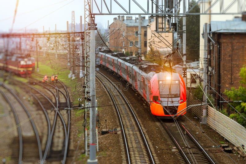 Trem bonde de alta velocidade, estrada de ferro imagens de stock royalty free