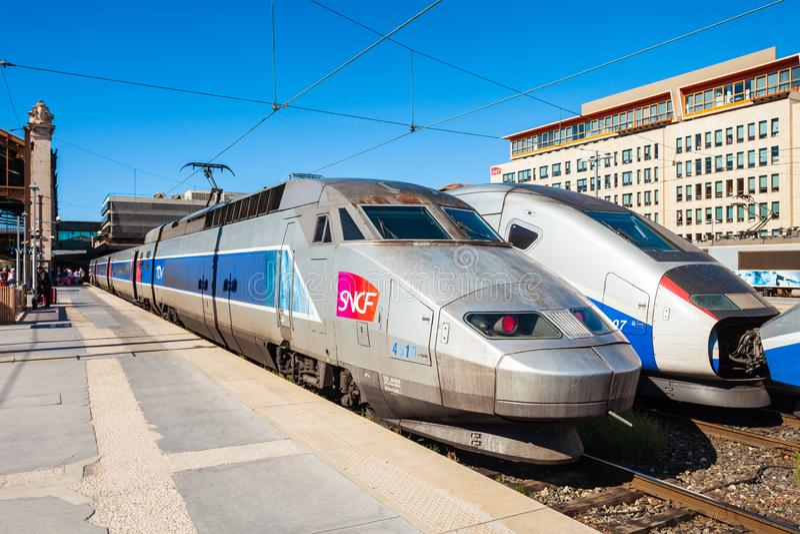 Trem de alta velocidade interurbano do TGV foto de stock