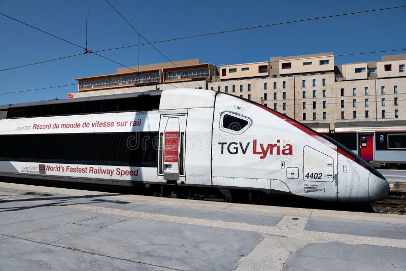 Trem de alta velocidade interurbano francês, TGV (trem à Vitesse grandioso) foto de stock