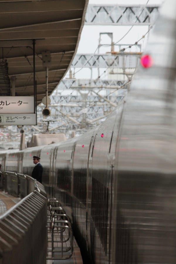 Trem de bala na plataforma com condutor fotos de stock