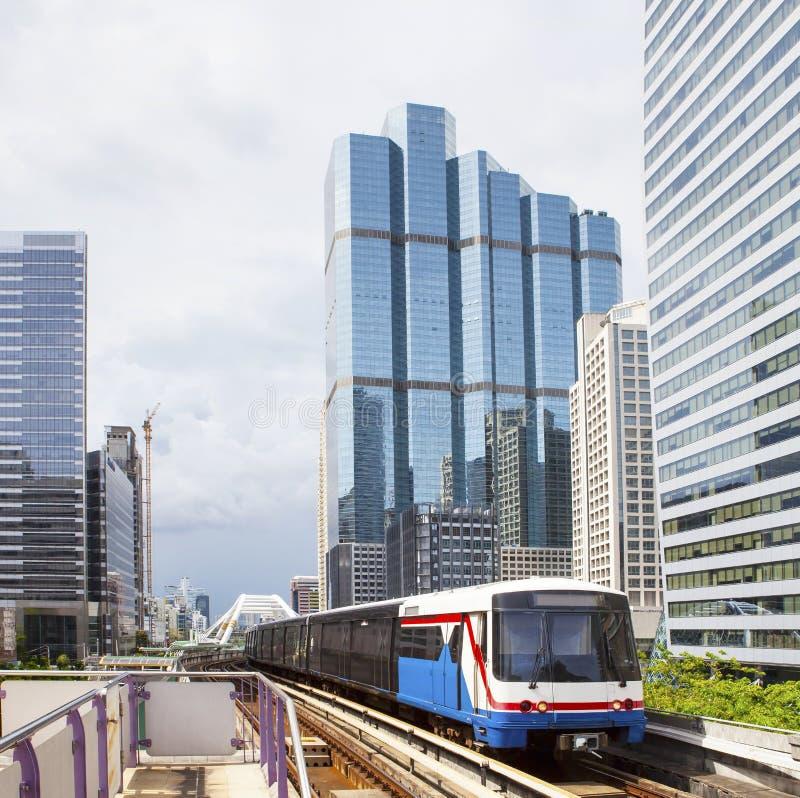 Trem de céu Railway bonde do BTS no MOS do trem de céu de Banguecoque Tailândia foto de stock royalty free