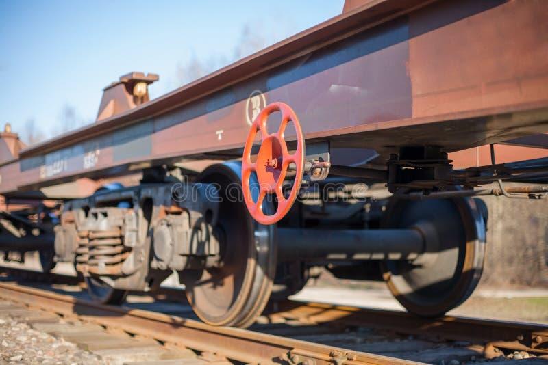 Trem de mercadorias sem recipientes de carga imagem de stock royalty free