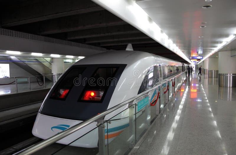 Trem de Shanghai Maglev imagens de stock