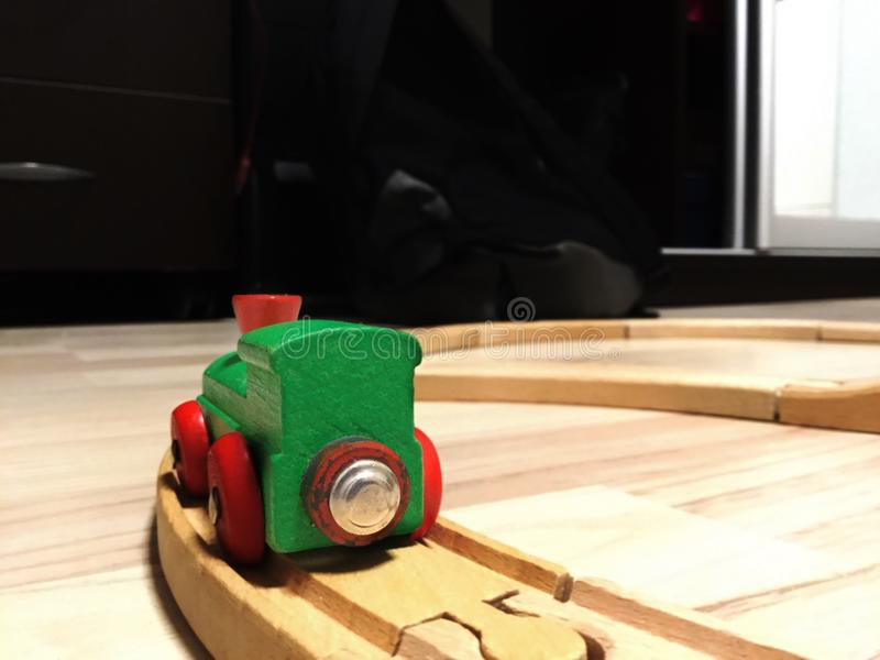 Trem do brinquedo do Pewter com letras imagens de stock