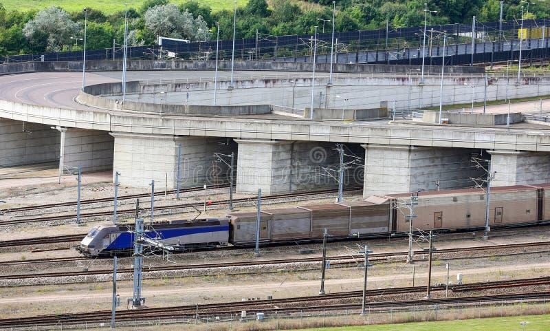 Trem do túnel do Canal da Mancha, Folkestone, Kent, Reino Unido fotos de stock royalty free