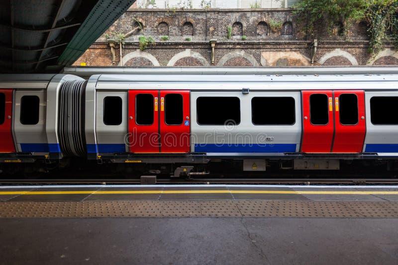 Trem do tubo de Londres foto de stock