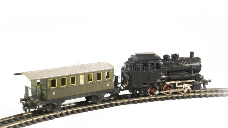 Trem e vagão no fundo branco fotografia de stock