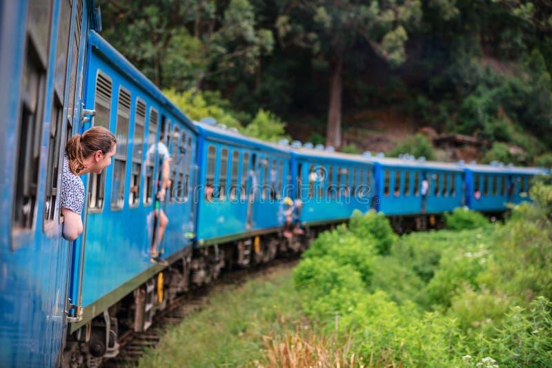 Trem em Sri Lanka imagens de stock royalty free