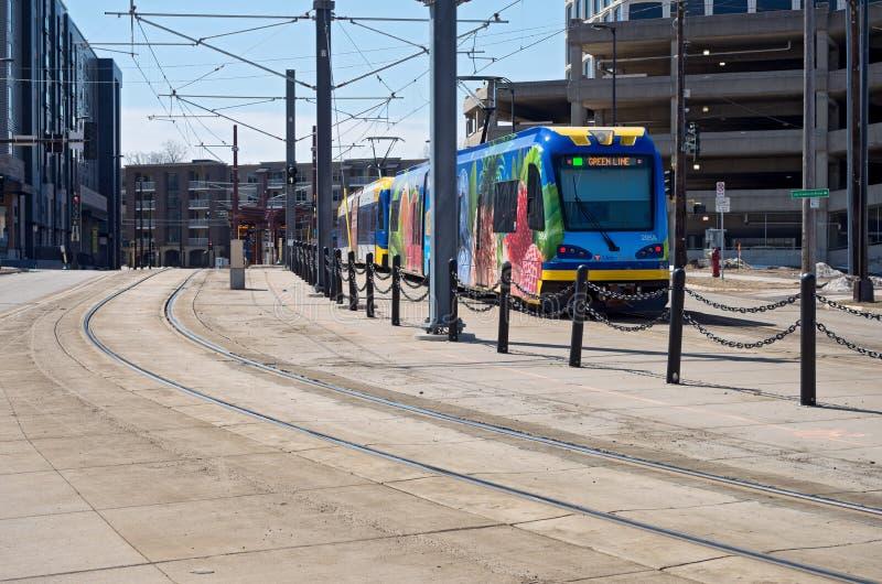 Trem leve do trilho limitado para Saint Paul fotos de stock royalty free