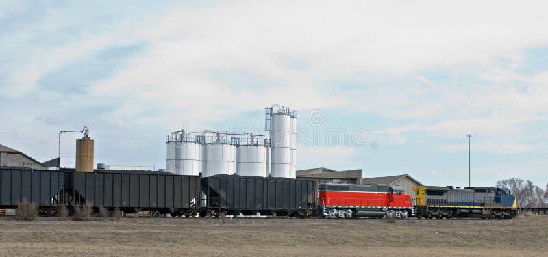 Trem movente no país foto de stock royalty free