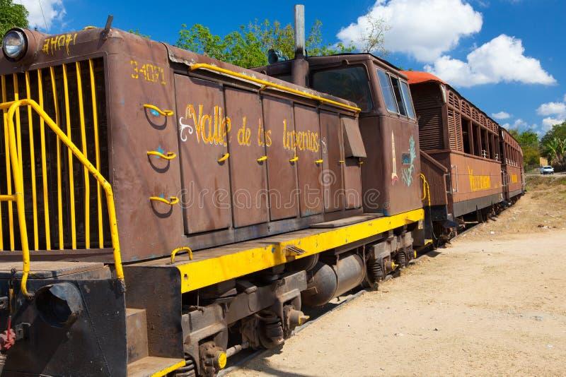 Trem na estação de Manaca Iznaga, Cuba do turista fotos de stock