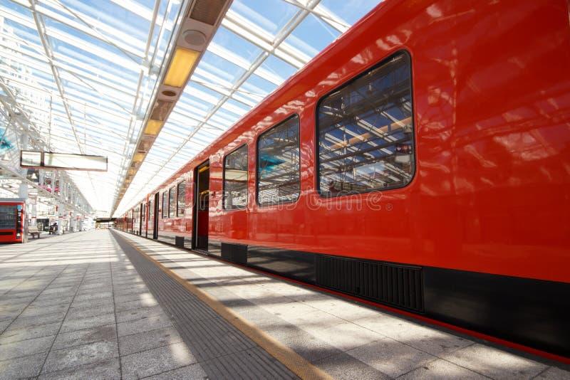 Trem parado do metro foto de stock