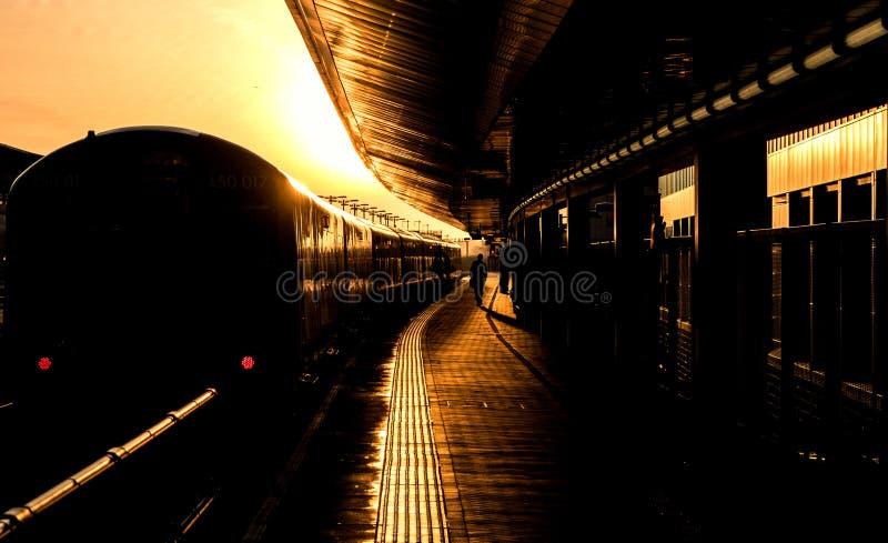 Trem pronto para a partida foto de stock royalty free