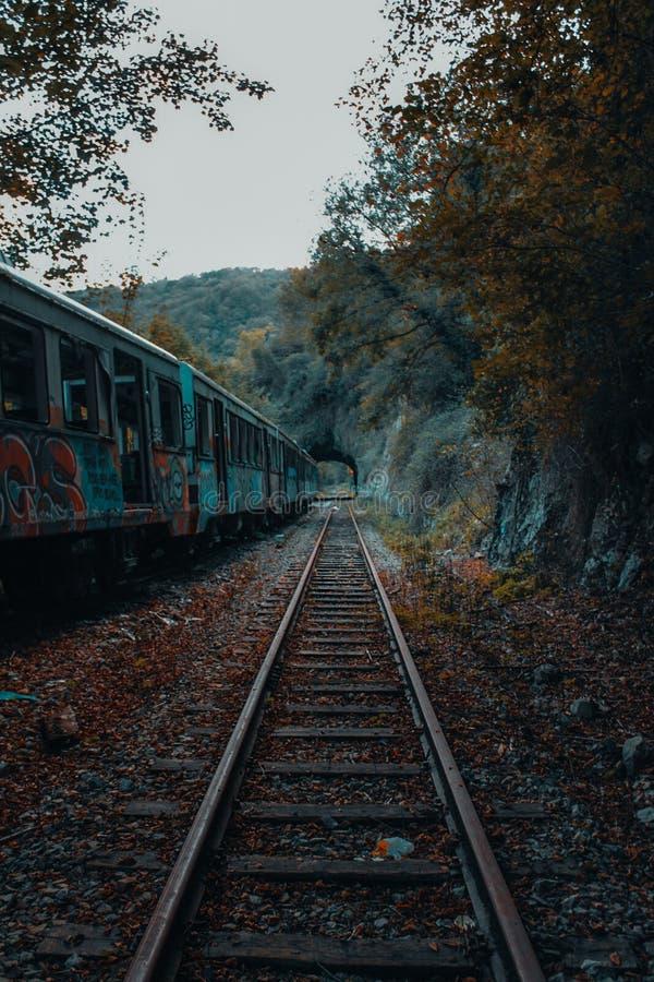 Trem sem a extremidade imagens de stock royalty free
