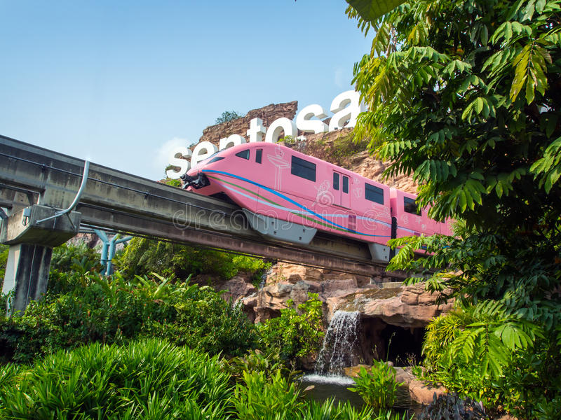 Trem Sentosa de chegada foto de stock
