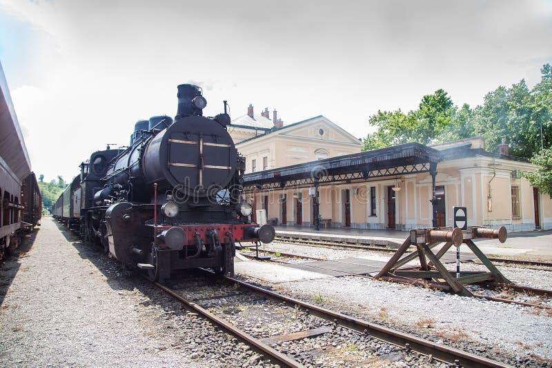 Trem velho do vapor na operação imagem de stock royalty free