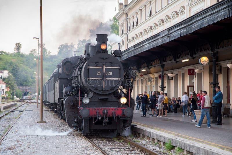 Trem velho do vapor na operação fotografia de stock royalty free