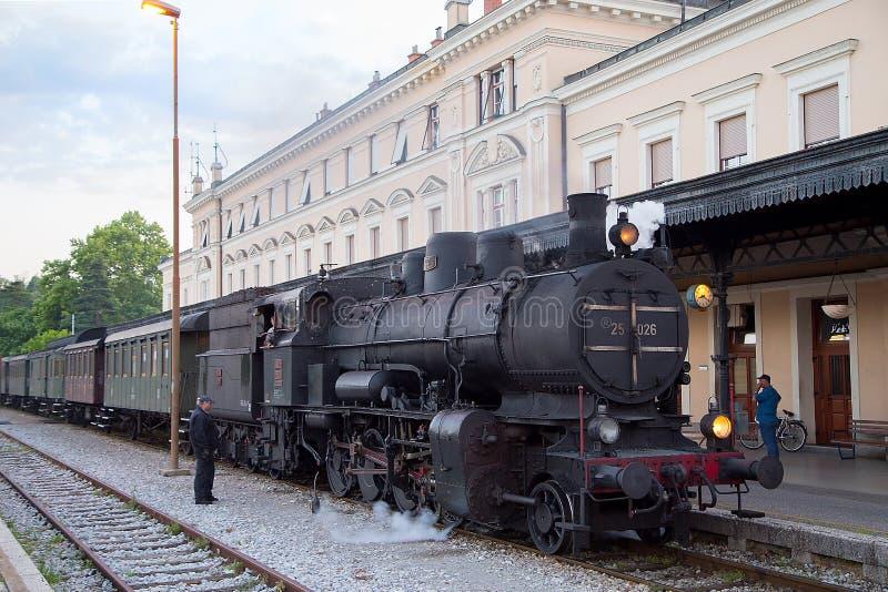 Trem velho do vapor na operação fotografia de stock