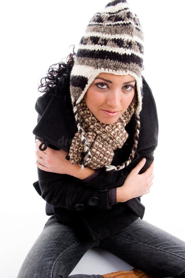 tremblement modèle femelle froid images libres de droits
