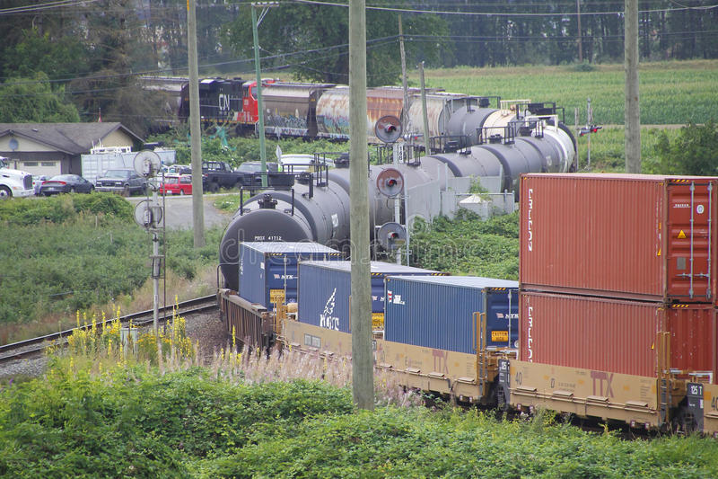 Tren canadiense y envíos amplios fotos de archivo libres de regalías