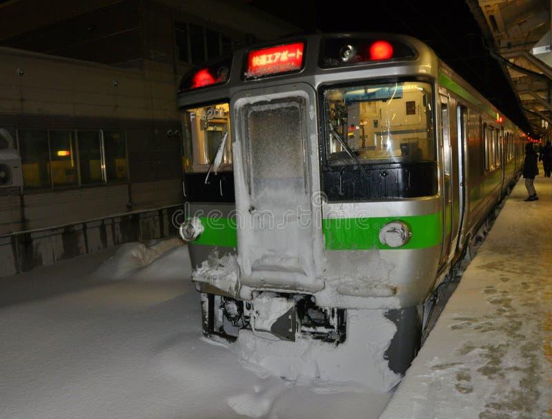 Tren congelado en la estación de Otaru foto de archivo