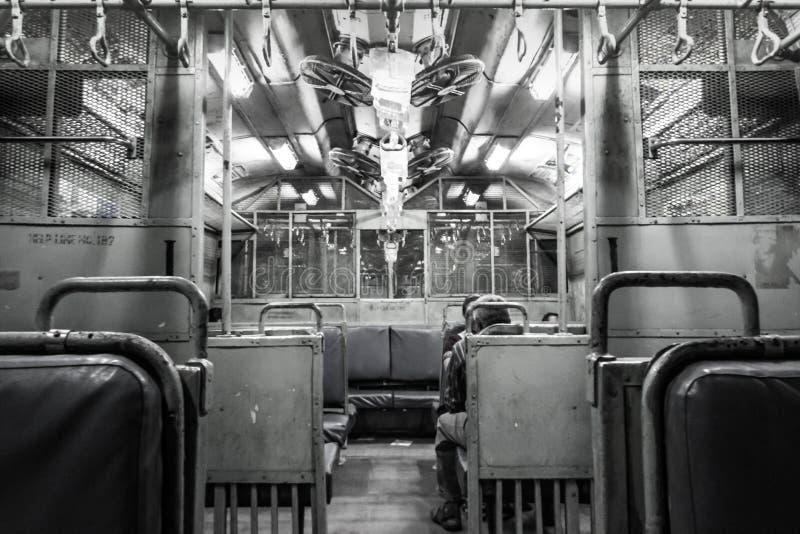Tren de Bombay dentro fotos de archivo