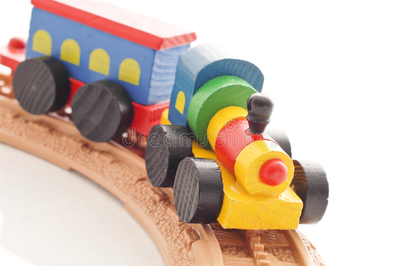 Tren de madera en pistas fotos de archivo