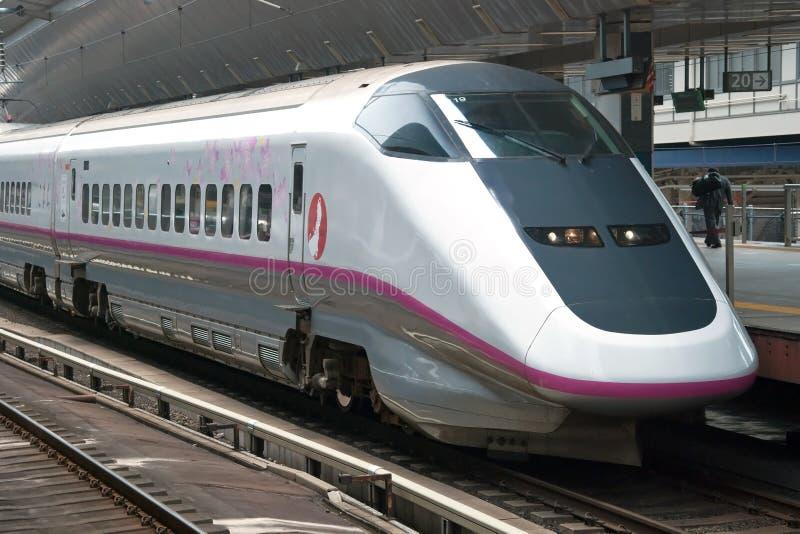 Tren de punto negro de Shinkansen imagenes de archivo