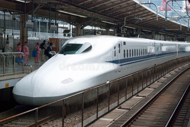 Tren de punto negro de Shinkansen fotos de archivo