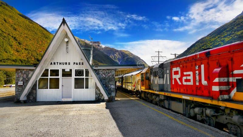 Tren de TranzAlpine, Christchurch Greymouth, Nueva Zelanda fotografía de archivo