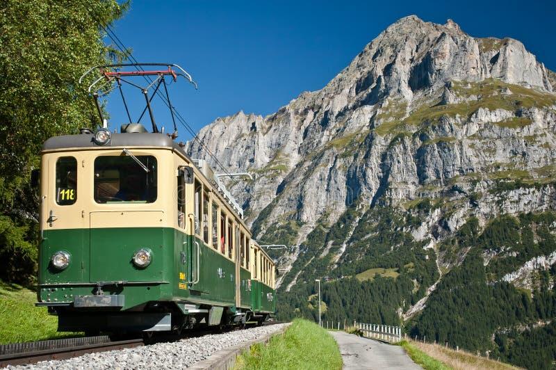 Tren del cable en grindelwald fotos de archivo
