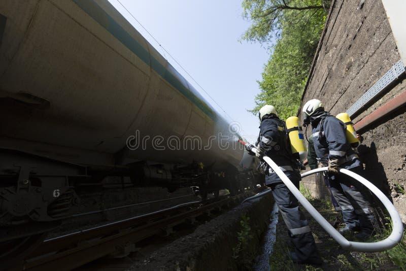 Tren del petrolero extintor fotografía de archivo libre de regalías
