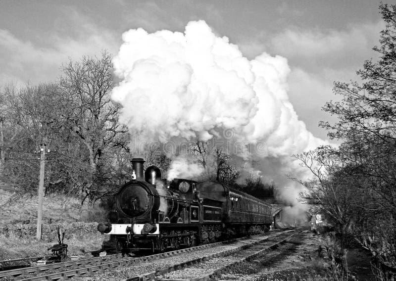 Tren del vapor en el país de Bronte (vendimia) imágenes de archivo libres de regalías