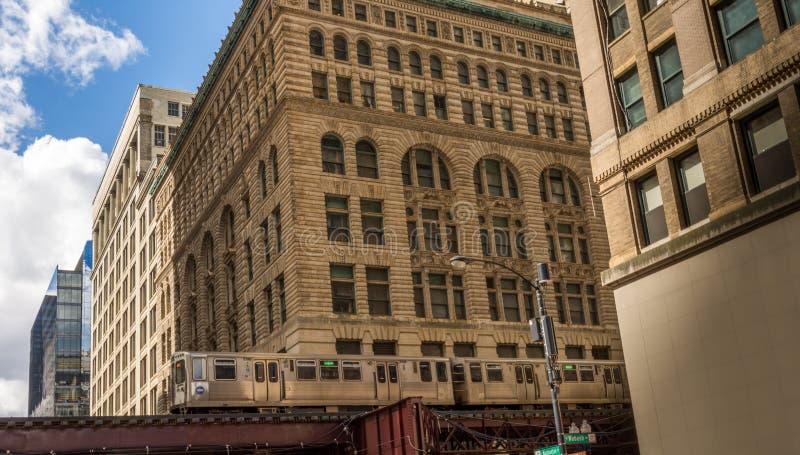 Tren en Chicago céntrica fotos de archivo libres de regalías