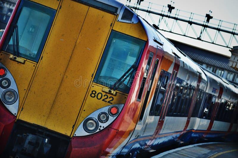 Tren en el empalme de Clapham imagen de archivo