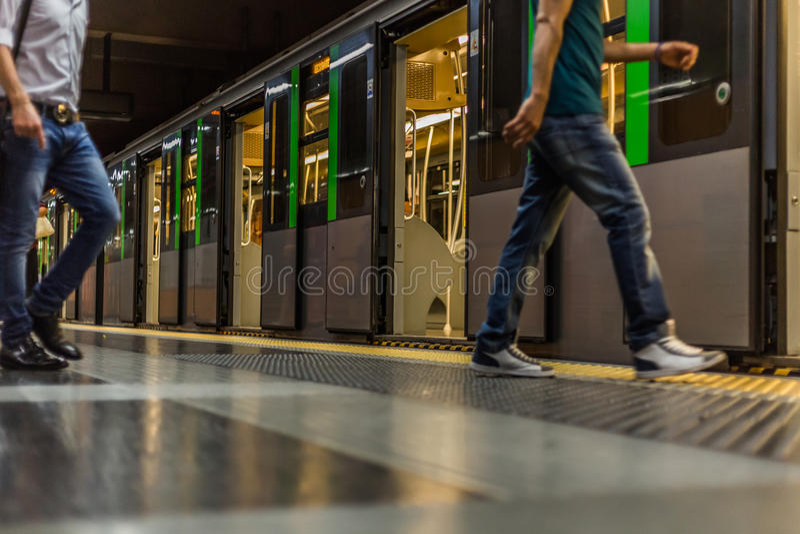 Tren en Milano fotografía de archivo libre de regalías