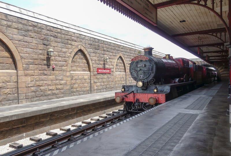 Tren expreso de Hogwarts en Universal Studios fotografía de archivo