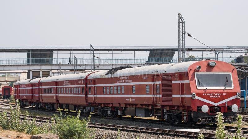 Tren indio Sidelined del servicio foto de archivo