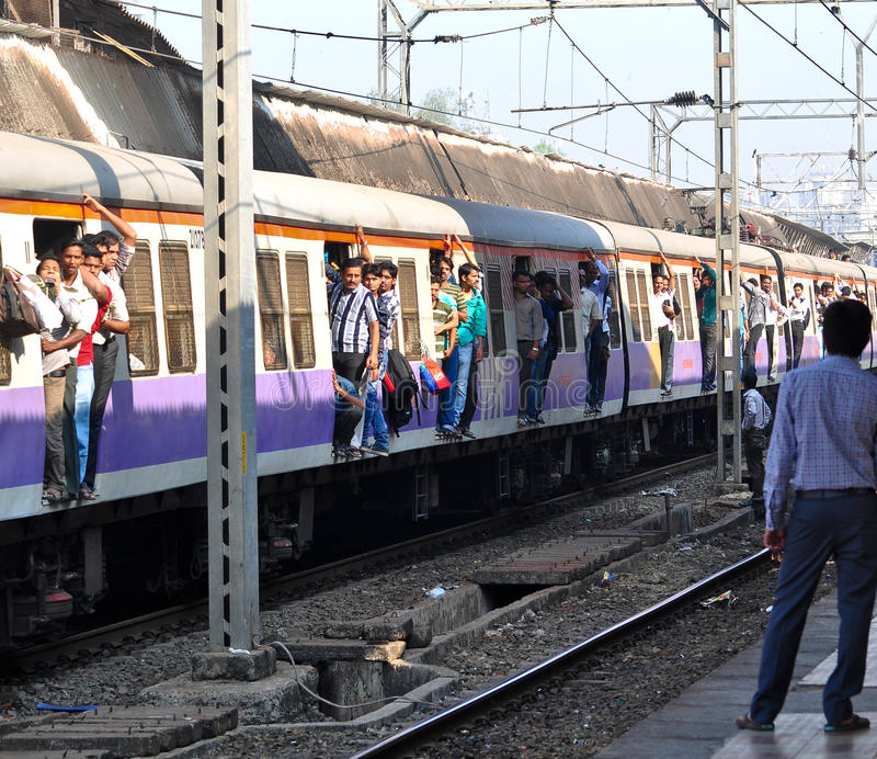 Tren local de Bombay fotografía de archivo libre de regalías