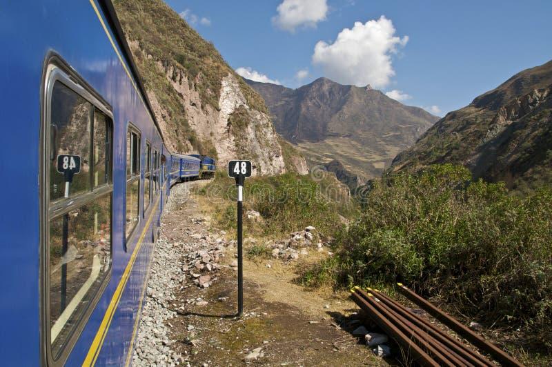 Tren a Machu Picchu imagenes de archivo