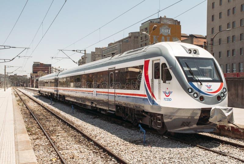 Tren rápido de Turquía en la estación de Esmirna imagen de archivo libre de regalías
