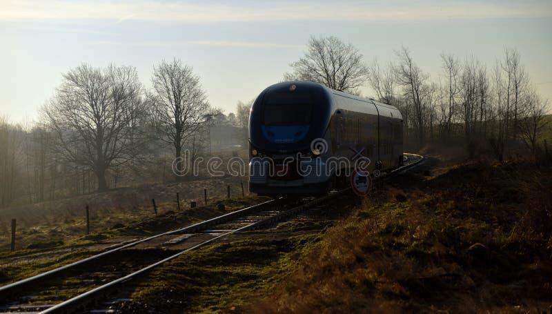 Tren Regioshark por mañana imagenes de archivo